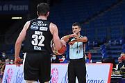 Valerio Grigioni arbitro<br /> Carpegna Prosciutto VL Pesaro - Dolomiti Energia Aquila Basket Trento<br /> Legabasket Serie A UnipolSAI 2020/2021<br /> Pesaro, 17/10/2020<br /> Foto M.Ceretti / Ciamillo-Castoria
