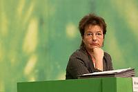 28 NOV 2003, DRESDEN/GERMANY:<br /> Angelika Beer, B90/Gruene Bundesvorsitzende, 22. Ordentliche Bundesdelegiertenkonferenz Buendnis 90 / Die Gruenen, Messe Dresden<br /> IMAGE: 20031128-01-046<br /> KEYWORDS: Bündnis 90 / Die Grünen, BDK<br /> Parteitag, party congress, Bundesparteitag