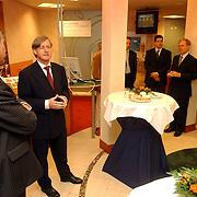 NLD/Huizen/20050616 - ING bank de Ruyterstraat 1 Huizen heropening van Combikas door burgemeester Verdier