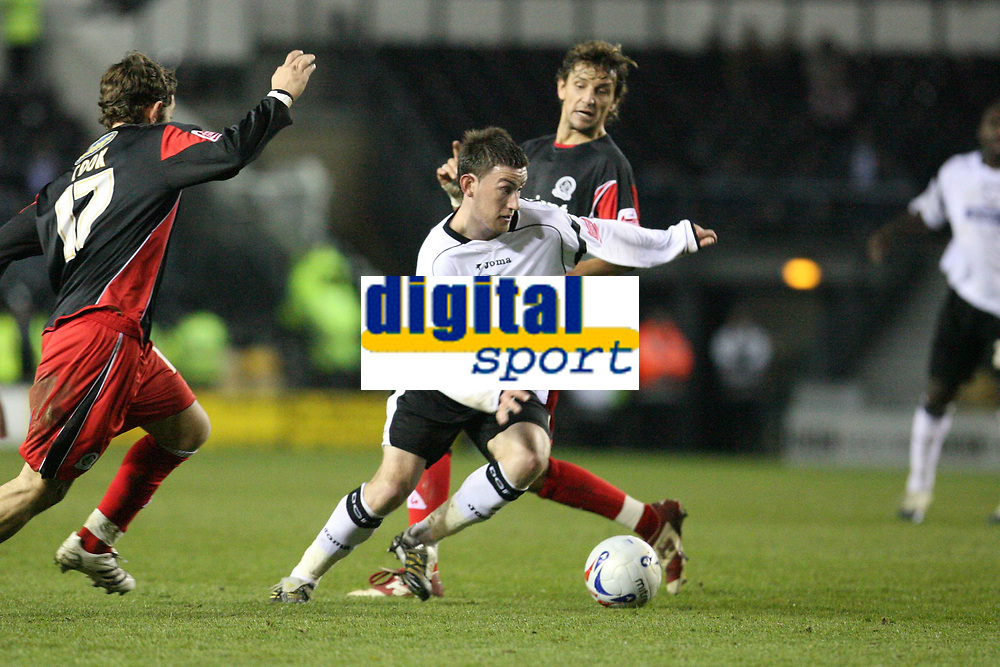 Photo: Pete Lorence.<br />Derby County v Queens Park Rangers. Coca Cola Championship. 13/03/2007.<br />David Jones on the attack.