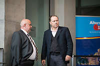 DEU, Deutschland, Germany, Berlin, 26.09.2017: Jürgen Pohl (MdB, AfD) und Siegbert Droese (MdB, AfD) vor der ersten Fraktionssitzung der AfD-Bundestagsfraktion im Deutschen Bundestag.