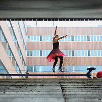 Nederland, Amsterdam , 17 november..Eén van de openingsacts tijdens de opening van het nieuwe gebouw van circus Elleboog aan de  Laan van Spartaan 4..Foto:Jean-Pierre Jans