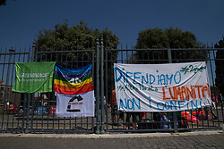 June 2, 2017 - Rome, Italy - Alternative parade in the gardens of Castel Sant'Angelo for those who save lives and throws bridges of peace among peoples. (Credit Image: © Matteo Nardone/Pacific Press via ZUMA Wire)