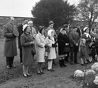 Commemoration at Arbour Hill to for the 50th anniversary of the Rising. (Part of the Independent Newspapers Ireland/NLI Collection)