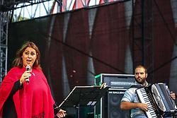 Maria Luiza Benites em show durante a 38ª Expointer, que ocorre entre 29 de agosto e 06 de setembro de 2015 no Parque de Exposições Assis Brasil, em Esteio. FOTO: André Feltes/ Agência Preview