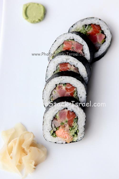 Tuna Sushi Futo Maki