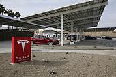 Nov 21, 2017-News: Tesla Supercharging Station