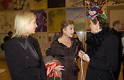 Amanda Elliasch, Kay Saatchi and Thea  Westreich. Turner Prize. Tate Gallery. 8 December 2002. © Copyright Photograph by Dafydd Jones 66 Stockwell Park Rd. London SW9 0DA Tel 020 7733 0108 www.dafjones.com