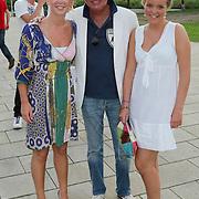 NLD/Amsterdam/20080725 - Modeshow Monique Collignon tijdens de AIFW 2008, Dick Beijer en dochters