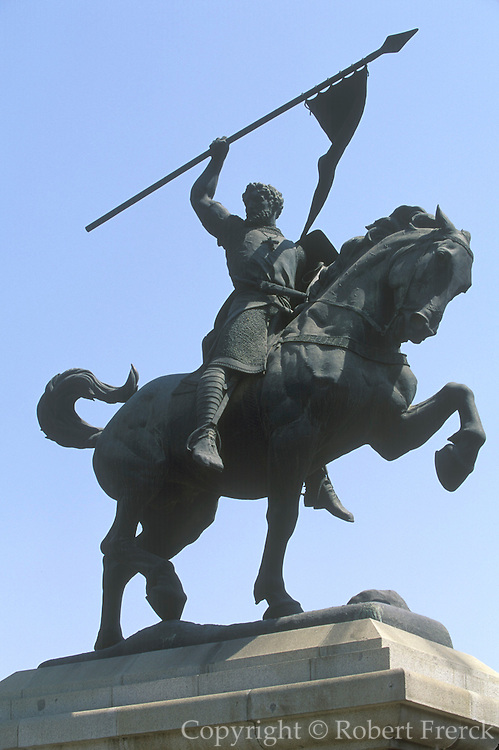SPAIN, ANDALUSIA, SEVILLE statue of El Cid, the legendary warrior of the Christain Reconquest who took Valencia from the Moors in 1094