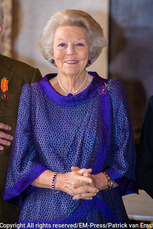 Prinses Beatrix reikt Zilveren Anjers 2019 uit in Paleis op de dam.<br /> <br /> Op de foto:  Prinses Beatrix