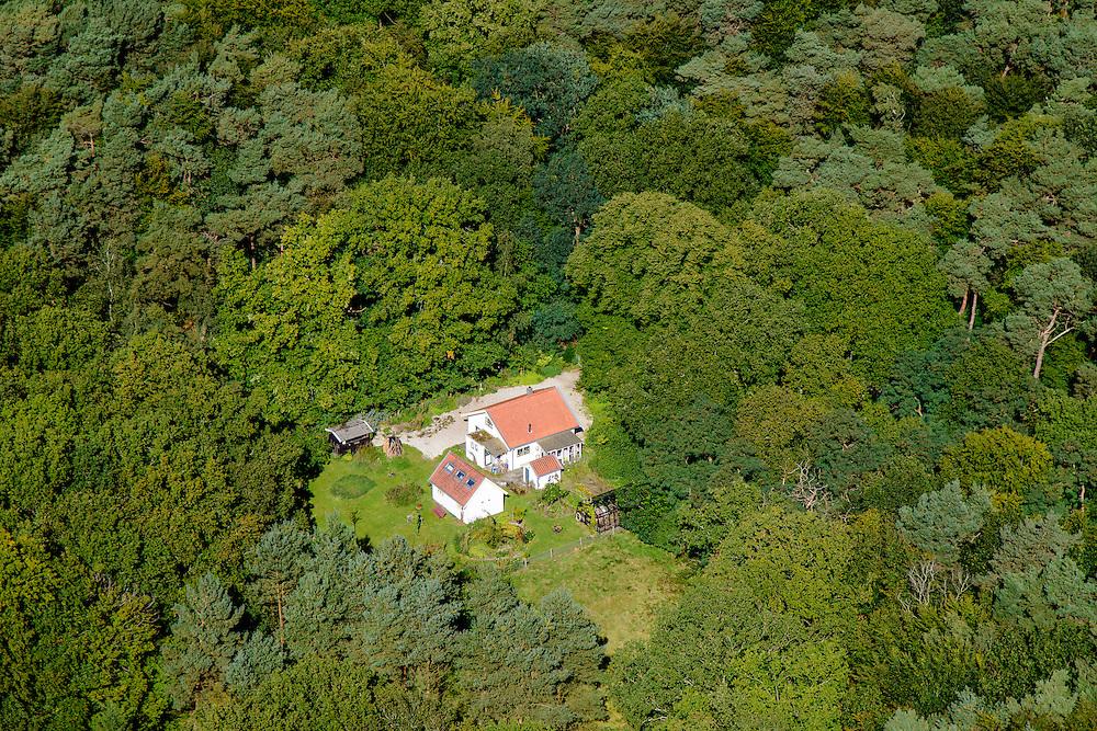 Nederland,Noord-Holland, Hilversum, 30-09-2015. Huis in het Bos van Einde Gooi.<br /> luchtfoto (toeslag op standard tarieven);<br /> aerial photo (additional fee required);<br /> copyright foto/photo Siebe Swart