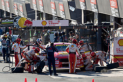 October 7, 2018 - Bathurst, NSW, U.S. - BATHURST, NSW - OCTOBER 07: Fabian Coulthard / Tony D'Alberto in the Shell V-Power Racing Team Ford Falcon team preforms a pitstop at the Supercheap Auto Bathurst 1000 V8 Supercar Race at Mount Panorama Circuit in Bathurst, Australia. (Photo by Speed Media/Icon Sportswire) (Credit Image: © Speed Media/Icon SMI via ZUMA Press)