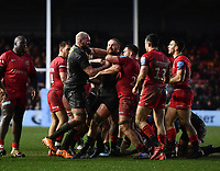 Rugby Union - 2019 / 2020 Gallagher Premiership - Harlequins vs. Saracens<br /> <br /> Tempers flare in the final minutes, at The Stoop.<br /> <br /> COLORSPORT/ASHLEY WESTERN