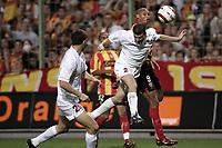 Fotball<br /> Foto: Dppi/Digitalsport<br /> NORWAY ONLY<br /> <br /> INTERTOTO CUP 2005/2006 - FINAL - 2ND LEG - RC LENS v CFR CLUJ - 23/08/2005<br /> <br /> DANIEL COUSIN (LENS) / LASZLO BALINT (CLUJ)