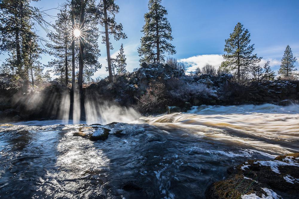 Deschutes River.  Deschutes National Forest.  Oregon.  December, 2014.