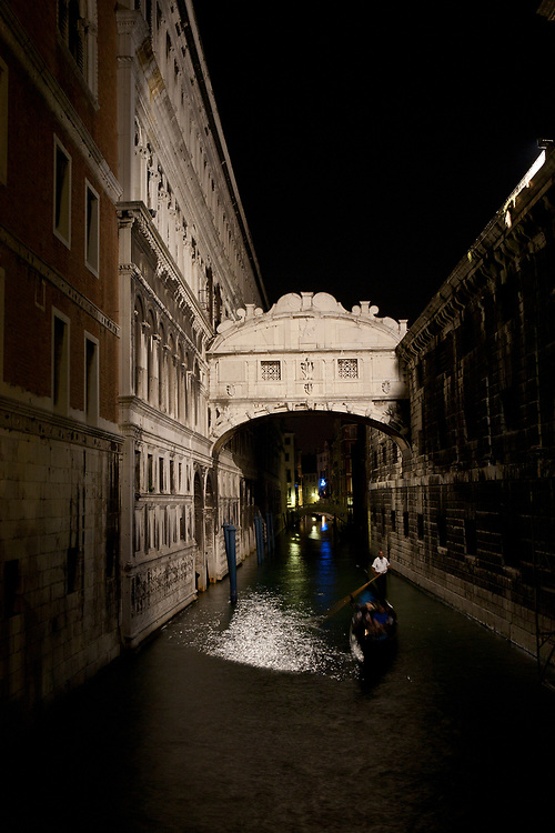 Bridge of Sighs at night, connecting the Doge's Palace with the prison, Venice, Italy