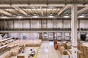Piacenza, Castel San Giovanni, Amazon logistic center, Ultimo tratto dei pacchetti all'interno del centro di distribuzione, prima di essere suddivisi in base alla destinazione.