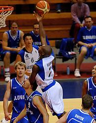 06-09-2006 BASKETBAL: NEDERLAND - SLOWAKIJE: GRONINGEN<br /> De basketballers hebben ook de tweede wedstrijd in de kwalificatiereeks voor het Europees kampioenschap in winst omgezet. In Groningen werd een overwinning geboekt op Slowakije: 71-63 / Daniel Novak en Sydmill Harris<br /> ©2006-WWW.FOTOHOOGENDOORN.NL
