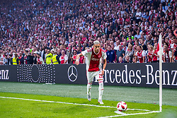 14-08-2018 NED: Champions League AFC Ajax - Standard de Liege, Amsterdam<br /> Third Qualifying Round,  3-0 victory Ajax during the UEFA Champions League match between Ajax v Standard Luik at the Johan Cruijff Arena / Hakim Ziyech #22 of Ajax