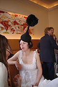 Isabella Blow. Lunch party for Brooke Shields hosted by charles finch and Patrick Cox. Mortons. Berkeley Sq. 6 July 2005. ONE TIME USE ONLY - DO NOT ARCHIVE  © Copyright Photograph by Dafydd Jones 66 Stockwell Park Rd. London SW9 0DA Tel 020 7733 0108 www.dafjones.com