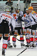 24.Feb.2012; Rapperswil-Jona; Eishockey NLA - Rapperswil-Jona Lakers - EV Zug; Patrick Fischer (L), Corsin Casutt (M) und Damien Brunner (R, Zug) jubeln nach dem 1:3<br />  (Thomas Oswald)