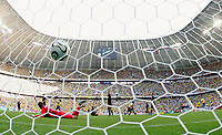 1:0 Tor Adriano Brasilien<br /> Fussball WM 2006 Brasilien - Australien 2:0<br /> Brasil - Australia<br /> Norway only