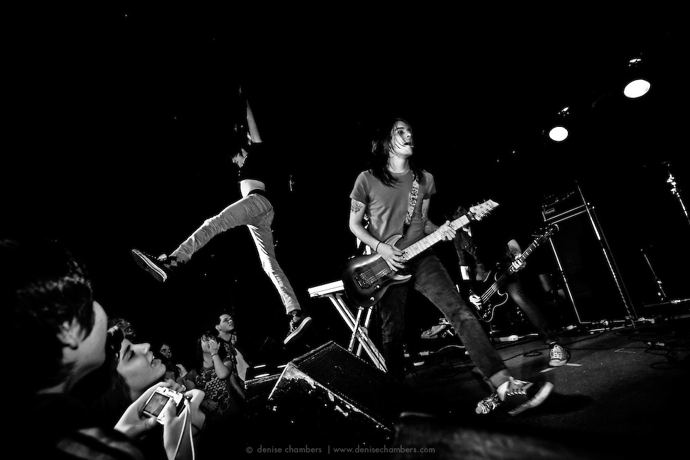 Whatchout! Theres Ghosts perform at the Black Sheep in Colorado Springs, CO.  20 Jan 2010.