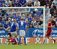 Photo: Kevin Poolman.<br />Leicester City v Southend United. Coca Cola Championship. 26/08/2006. Leicester's Iain Hume hits the crossbar.
