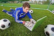 20100528 Creative Goalkeeper Laptop
