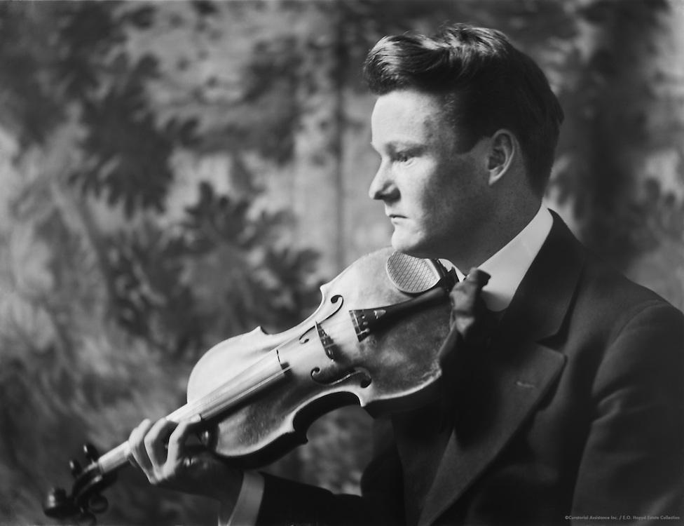Godfrey Ludlow, violinist, 1911