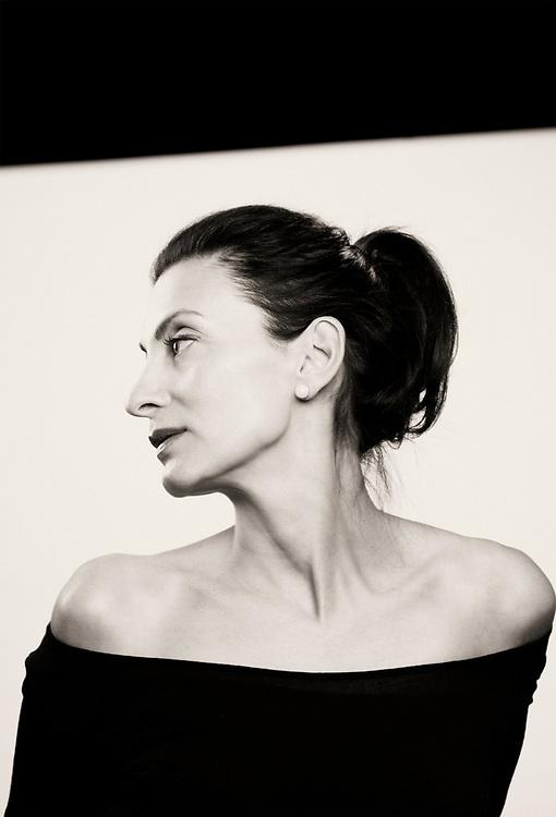 fine art portrait in b&w of Lisa Graziano