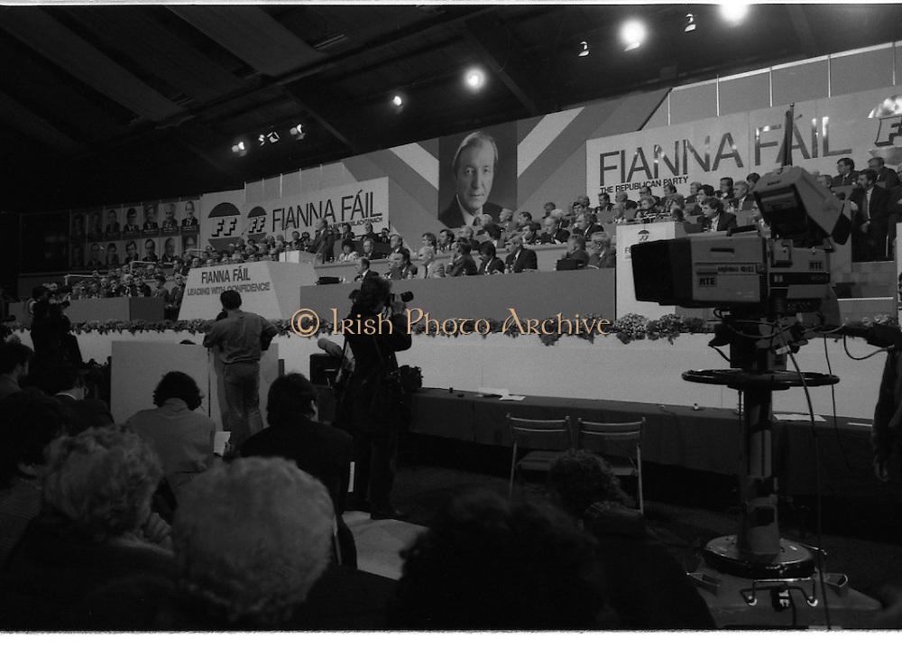 Fianna Fáil Ard Fheis.  (R97)..1989..25.02.1989..02.25.1989..25th February 1989..The Fianna Fáil Ard Fheis was held today at the RDS Main Hall, Ballsbridge, Dublin. An Taoiseach, Charles Haughey TD,gave the keynote speech of the event...An overall view of the Fianna Fáil party leadership on the stage of the RDS in Dublin.