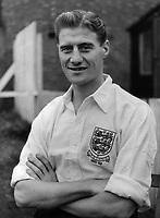 Fotball<br /> England <br /> Foto: Colorsport/Digitalsport<br /> NORWAY ONLY<br /> <br /> JIMMY DICKINSON - ENGLAND 1951/52 V IRELAND.