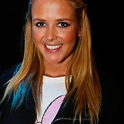 NLD/Hilversum/20100121 - Benefietactie voor het door een aardbeving getroffen Haiti, Monique Smit
