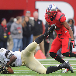 10 November 2012: Army Black Knights wide receiver Chevaughn Lawrence (21) makes a catch during NCAA college football action between the Rutgers Scarlet Knights and Army Black Knights at High Point Solutions Stadium in Piscataway, N.J.. Rutgers defeated Army 28-7.