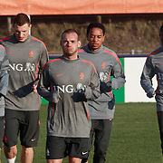 NLD/Katwijk/20110321 - Training Nederlandse Elftal Hongarije - NLD, warming up,Raphael van der Vaart, Wesley Sneijder, Elrijo Ellia,