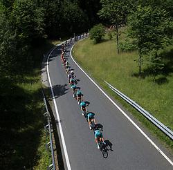 06.07.2017, Kitzbühel, AUT, Ö-Tour, Österreich Radrundfahrt 2017, 4. Etappe von Salzburg auf das Kitzbüheler Horn (82,7 km/BAK), im Bild das Feld der Fahrer bei Lofer, Salzburg // the peleton near Lofer during the 4th stage from Salzburg to the Kitzbueheler Horn (82,7 km/BAK) of 2017 Tour of Austria. Kitzbühel, Austria on 2017/07/06. EXPA Pictures © 2017, PhotoCredit: EXPA/ Reinhard Eisenbauer