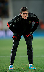17.02.2015, Arena Lwiw, Lwiw, UKR, UEFA CL, Schachtar Donezk vs FC Bayern Muenchen, Achtelfinale, Hinspiel, im Bild ROBERT LEWANDOWSKI // during the UEFA Champions League Round of 16, 1st Leg match between between Schachtar Donezk and FC Bayern Munich at the Arena Lwiw in Lwiw, Ukraine on 2015/02/17. EXPA Pictures © 2015, PhotoCredit: EXPA/ Pixsell/ RAFAL OLEKSIEWICZ<br /> <br /> *****ATTENTION - for AUT, SLO, SUI, SWE, ITA, FRA only*****
