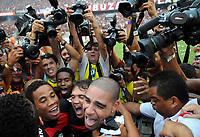 20091206: RIO DE JANEIRO, BRAZIL - Flamengo vs Gremio: Brazilian League 2009 - Flamengo won 2-1 and celebrated the 6th Brazilian Championship of its history. In picture: Adriano and team mates celebrating victory. PHOTO: Andre Durao/CITYFILES