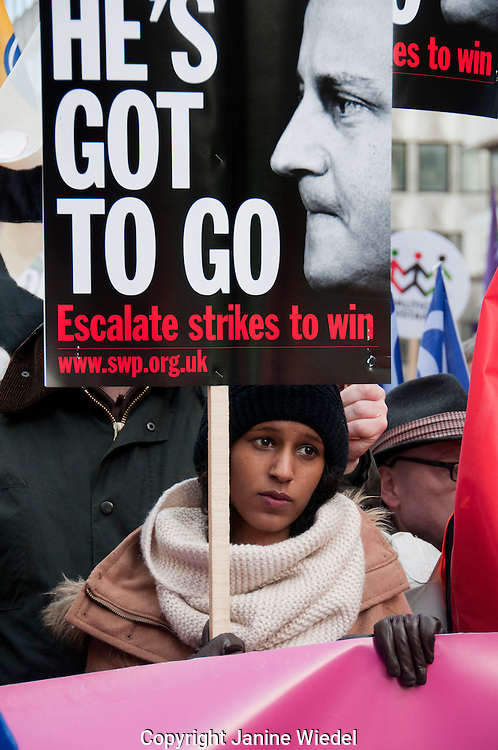 Strikers protest against government  pension reforms in Britain's first mass strike in 30 years. London, UK. 30th Nov 2011