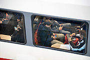 Nederland; Nijmegen; 24-9-2012; Passagiers, reizigers, mensen, studenten in een trein van Veolia. Openbaar vervoer, busvervoer in de regio Arnhem Nijmegen.; Foto: Flip Franssen/Hollandse Hoogte