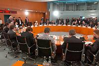 18 SEP 2003, BERLIN/GERMANY:<br /> uebersicht, gemeinsame Kabinettsitzung der deutschen und fanzoesischen Regierung, im Rahmen der deutsch-franzoesischen Konsultationen, Internationaler Konferenzsaal, Bundeskanzleramt <br /> IMAGE: 20030918-02-009<br /> KEYWORDS: deutsch-französische<br /> Regierungskonsultationen, Übersicht