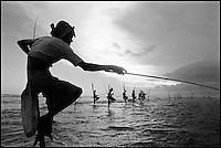 Sri Lanka. Côte sud. Weligama. Pêcheur sur échasses. // Sri Lanka. South Coast. Weligama. Fisherman.