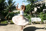 Belo Horizonte_MG, Brasil. ..Cantora Julia Ribas dancando...The singer Julia Ribas dancing...Foto: LEO DRUMOND / NITRO