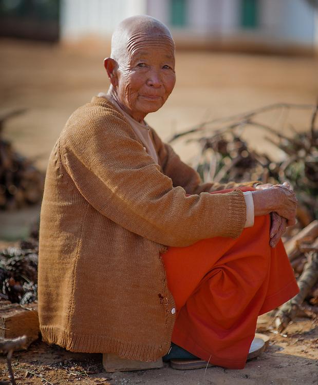 Old nun portrait (Myanmar)
