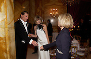 Shelby Bryan, Anna Wintour and Ophelie Renouard. . Crillon 2004 Debutante Ball. Crillon Hotel. Paris. 26 November 2004. ONE TIME USE ONLY - DO NOT ARCHIVE  © Copyright Photograph by Dafydd Jones 66 Stockwell Park Rd. London SW9 0DA Tel 020 7733 0108 www.dafjones.com