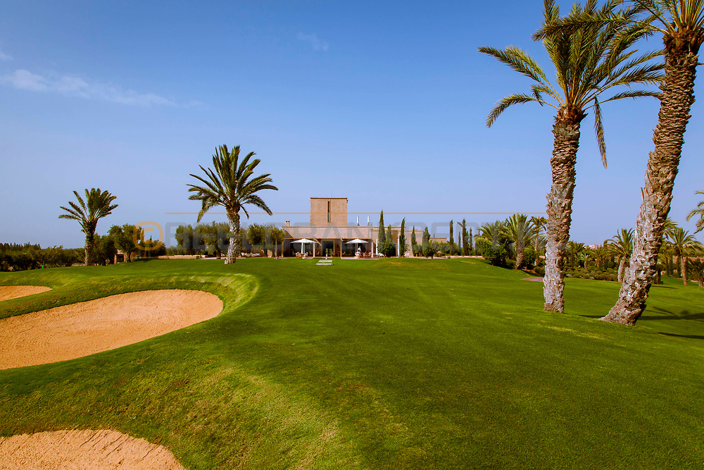 06-10-2015 -  Foto van Clubhuis bij Assoufid Golf Club in Marrakech, Marokko. De 18 holes van de Assoufid Golf Club zijn ontworpen door Niall Cameron. Bij helder weer bieden enkele holes fraaie uitzichten op het Atlas gebergte.