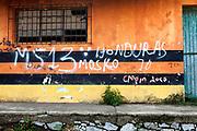 Pinta presuntamente atribuida a la Mara Salvatrucha. Estación Chontalpa, Tabasco (Foto: Prometeo Lucero)