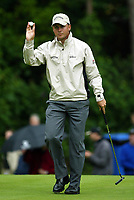 Photograph: Scott Heavey<br />Volvo PGA Championship At Wentworth Club. 23/05/2003.<br />Niclas Fasth applauds the crowd on the 17th.